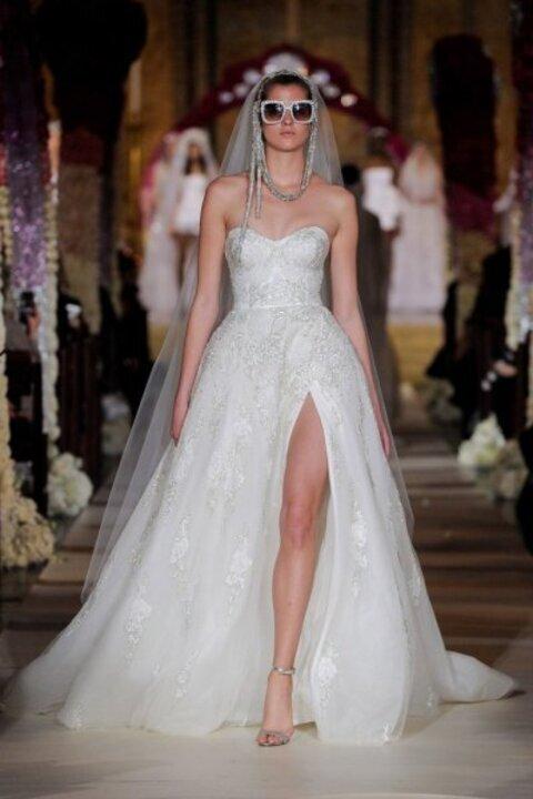ابرز صيحات فساتين زفاف لعام 2020